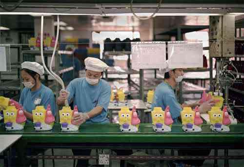 chinatoyfactory17 Uma fábrica de brinquedos na China