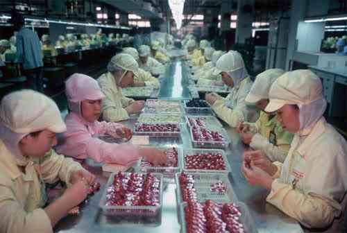 chinatoyfactory18 Uma fábrica de brinquedos na China