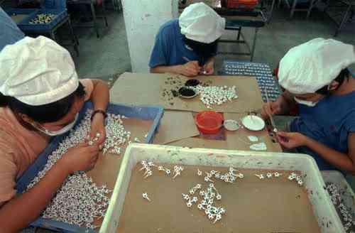 chinatoyfactory21 Uma fábrica de brinquedos na China