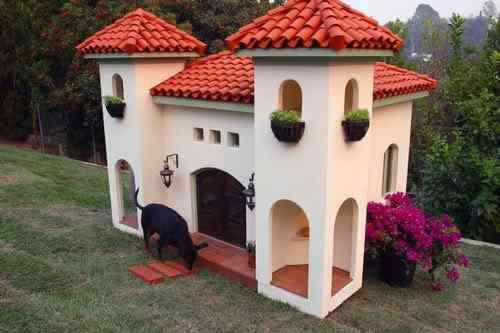 2032996598 0a11bae537 As mais incríveis casas de cachorro