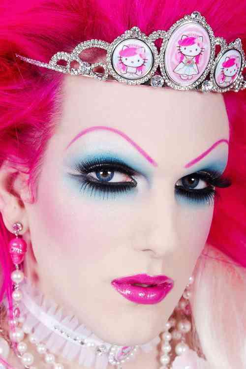 hello kitty tiara Dez produtos bizarros da Hello Kitty