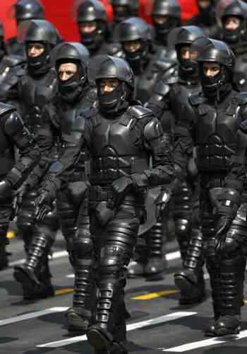 riotpolice350 Polícia peruana e polícia carioca
