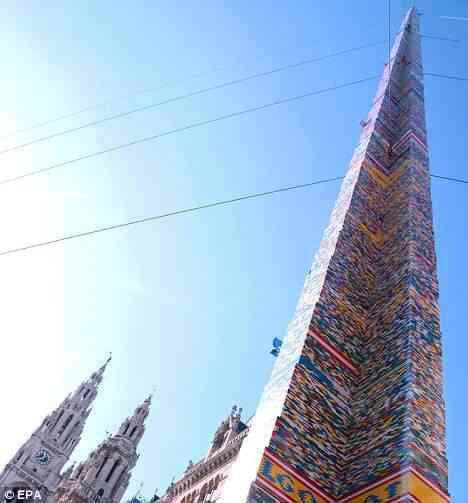 torrelego A maior torre de Lego do mundo