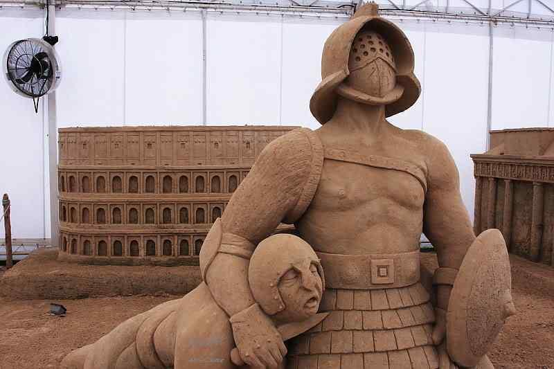2191701521 7501df96ea o Incríveis esculturas de areia