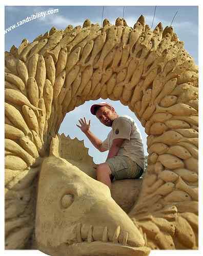 2679690665 4e02a91131 Incríveis esculturas de areia