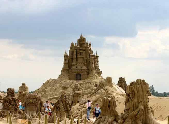 38394 Incríveis esculturas de areia