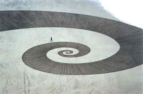 denevan3 Incríveis esculturas de areia