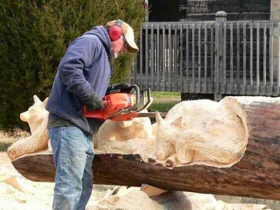 real arts of woodcarving10 O fera da motoserra