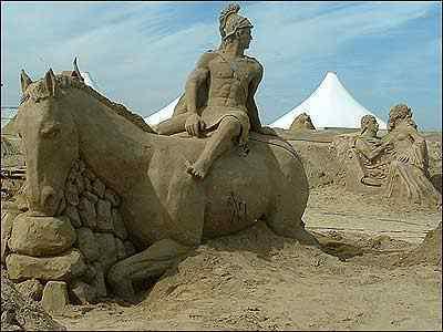 warriorsandsculpture Incríveis esculturas de areia