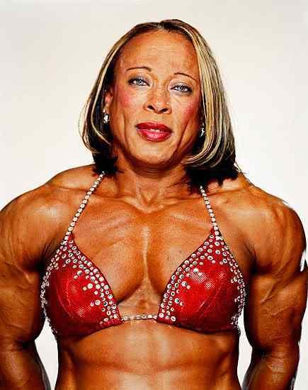 female body builders10 Monstros do fisiculturismo