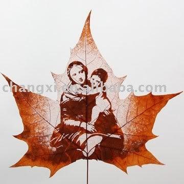 Handicraft Leaf carving mother and  Leaf carving   a arte de esculpir em folhas