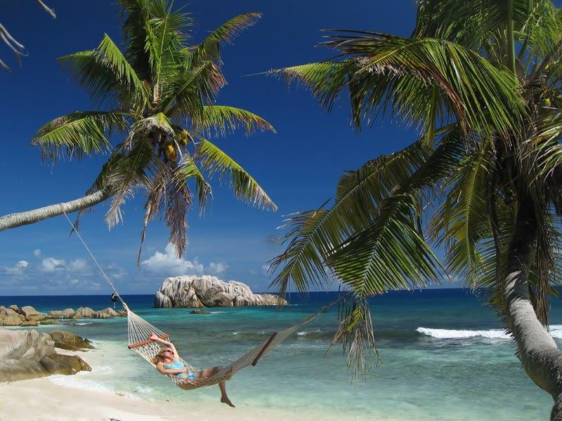 cousine island beach lady Dez ilhas interessantes
