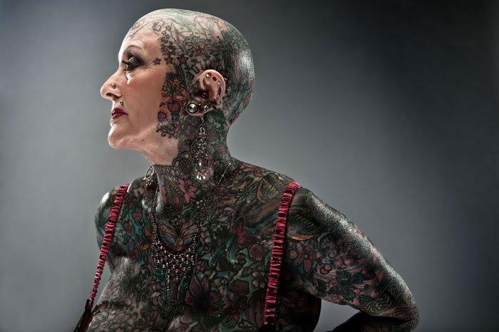Isobel Varley Most Tattoed Senior  O homem e a mulher mais tatuados do mundo