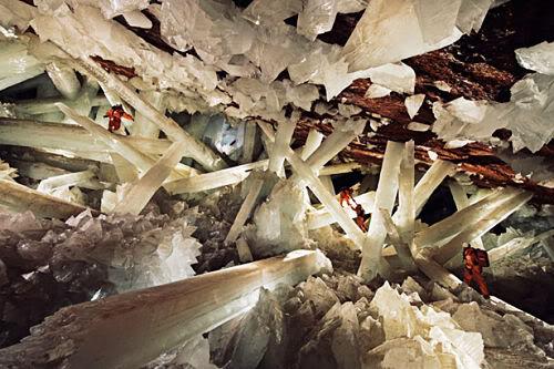 giant crystals palace Mundo gigante   Um apanhado de coisas gigantes da web