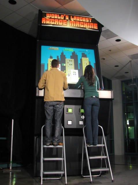 largest arcade machine 1 Mundo gigante   Um apanhado de coisas gigantes da web
