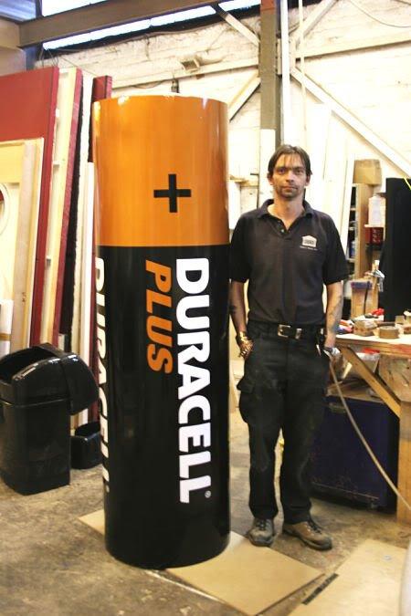 the giant battery Mundo gigante   Um apanhado de coisas gigantes da web