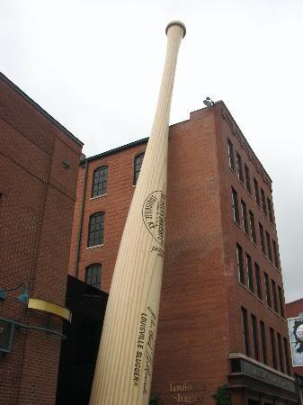 the world s largest bat 1 Mundo gigante   Um apanhado de coisas gigantes da web