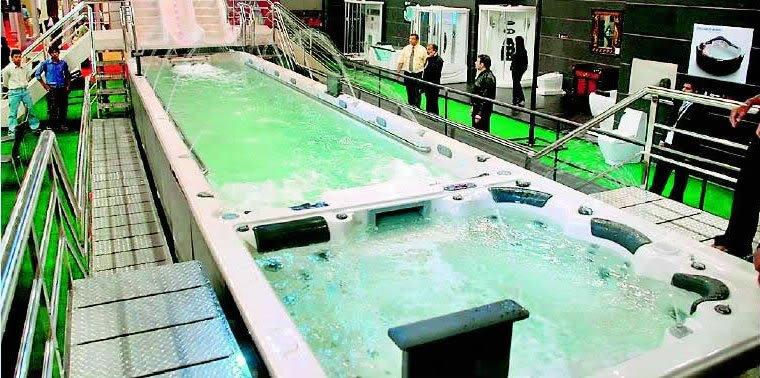 world   s largest bathtub 1 Mundo gigante   Um apanhado de coisas gigantes da web