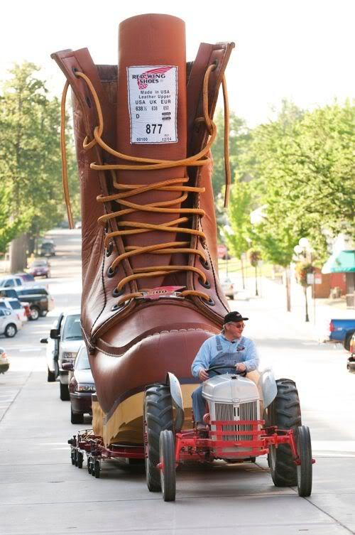 worlds largest boot Mundo gigante   Um apanhado de coisas gigantes da web