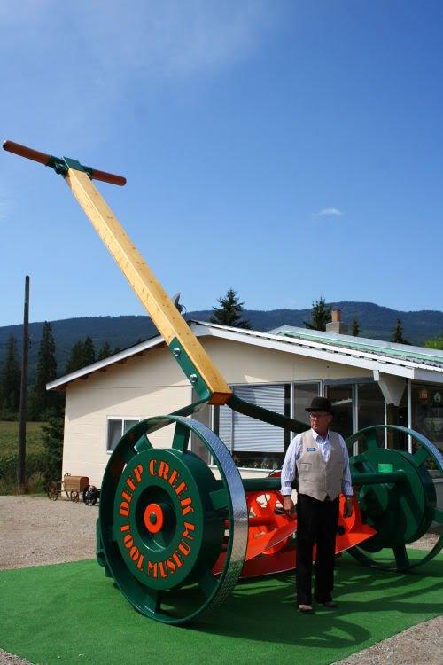 worlds largest lawnmower 1 Mundo gigante   Um apanhado de coisas gigantes da web