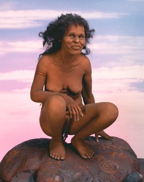 neandertal Esculturas realistas de Lisa Lichtenfels
