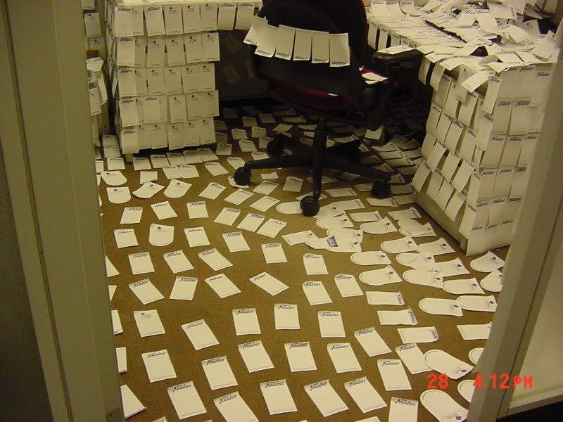 MVC 002F 743555 Pegadinhas de escritório
