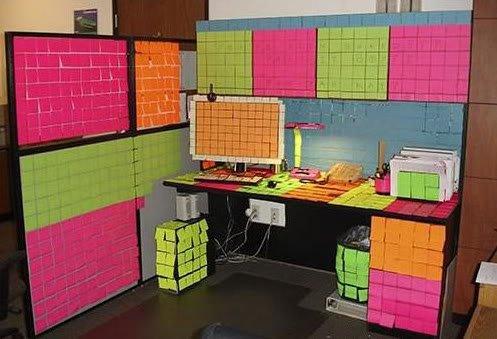 fluorescentpostitnotes Pegadinhas de escritório