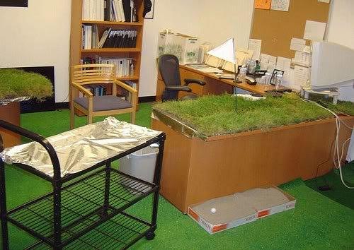 funny office real practical joke picture Pegadinhas de escritório