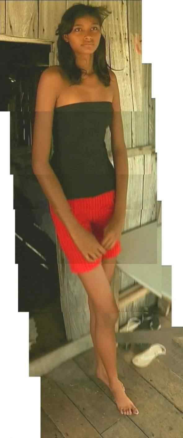 071 590x1410 Conheça Elizane Cruz, que com 14 anos mede 2 metros e 6 centímetros
