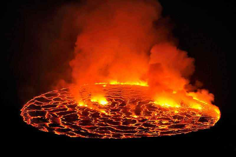 laval lake africa nyiragongo crater 10 lugares Gumps