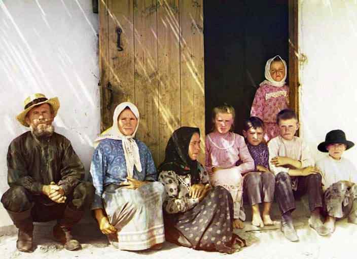 p87 7238  01602  Russia: O mistério das fotos coloridas num tempo em que só havia preto e branco