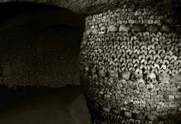 catacumbaspilar A busca de Kuran   O templo da morte