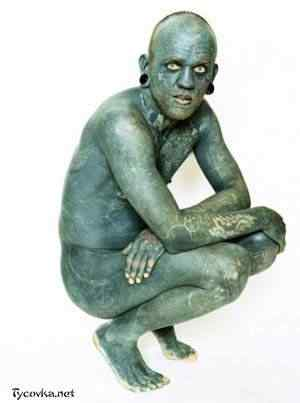 Tattoed man11 50 seres inacreditavelmente azuis