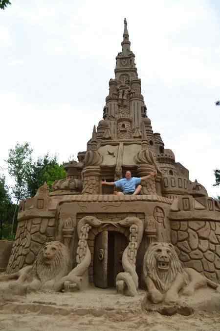 tallest sand castle O maior castelinho de areia do mundo