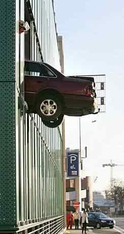 391874342 6ca6bf7f99 o Foi por pouco   10 casos de veículos que pararam na beirada