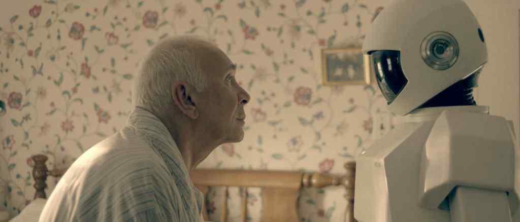 Robot and Frank movie image 1024x438 Os melhores filmes do mundo com robôs