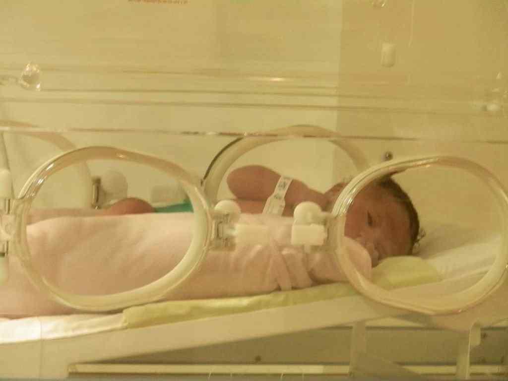 davi na incubadora 1024x768 Meu filho nasceu!