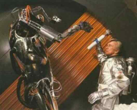 saturn 3 hector 528 poster 1 Os melhores filmes do mundo com robôs