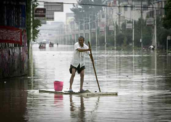 balsa Dia das Bruxas, dia do Saci, furacão Sandy e a subserviência de sempre