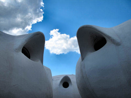 Museumotel Bubbles Clouds 510 Top 5 construções com inspiração Hobbit