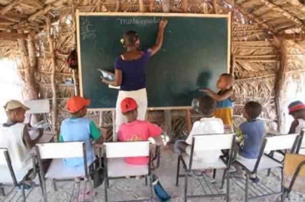 condic3a7c3b5es precc3a1rias de ensino Decepção e vergonha de ser brasileiro