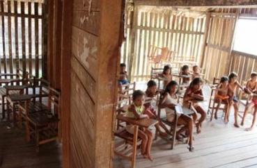 escola de merda Decepção e vergonha de ser brasileiro
