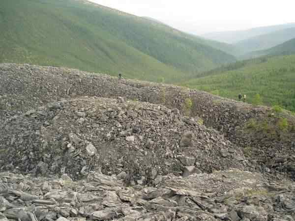 2750375 Os domos misteriosos enterrados no Vale da Morte, na Sibéria