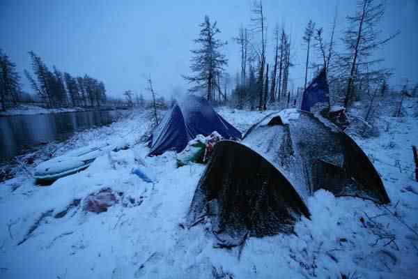 fortean times 5620 5 Os domos misteriosos enterrados no Vale da Morte, na Sibéria