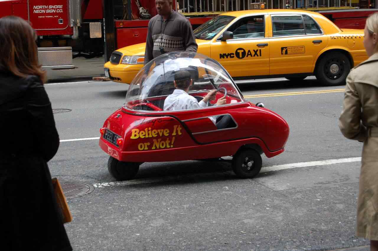 369511 original Peel 50   o menor carro do mundo