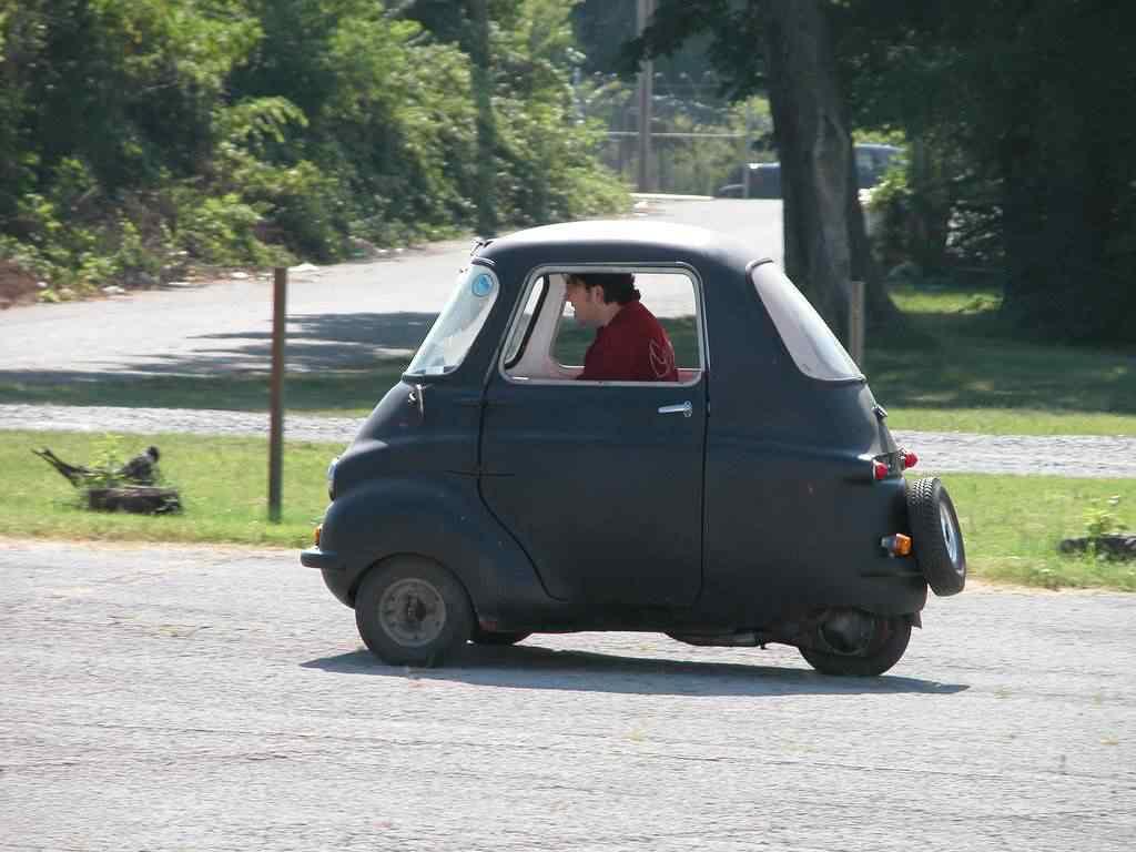 369832 original Peel 50   o menor carro do mundo