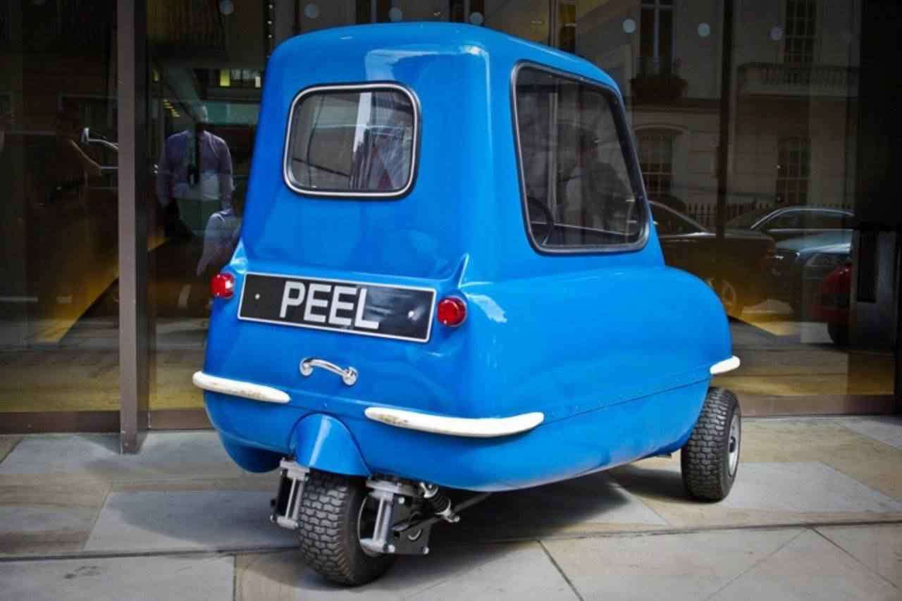 372617 original Peel 50   o menor carro do mundo