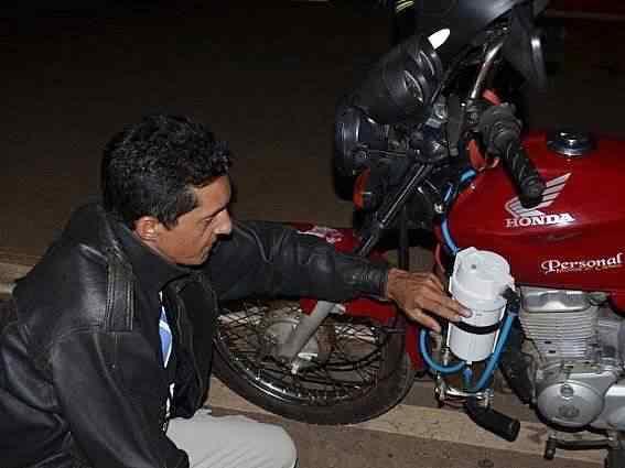 Acreano cria moto que usa combustível à base de água e faz 60 km por litro 2