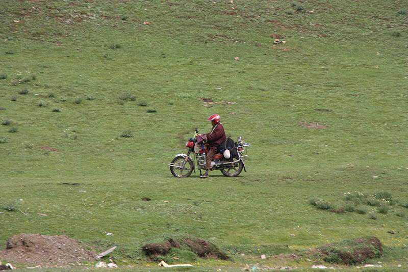 0 ef737 b4f9feba orig Sepultamento celestial no Tibete (AVISO: não recomendado para pessoas impressionáveis)
