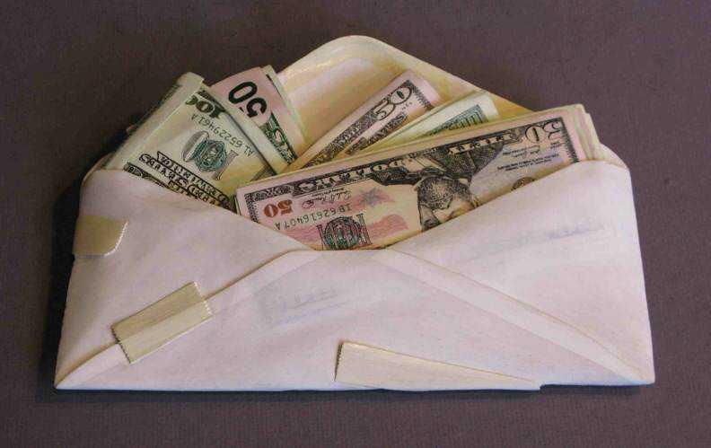 hushmoney14a O homem que descobriu como fazer dinheiro (literalmente)